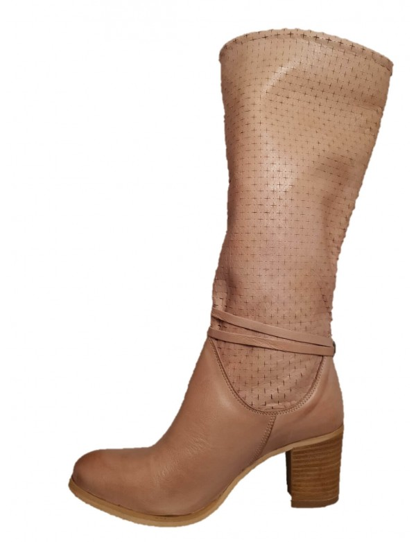 Italian leather boots with heel