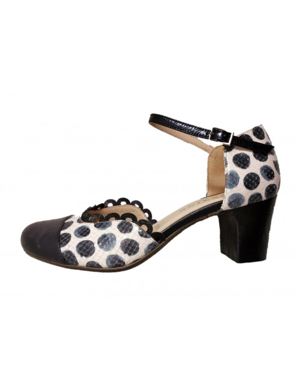 Made in Italy heeled pumps