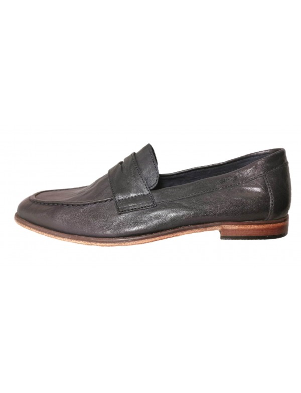Navy blue loafers for men