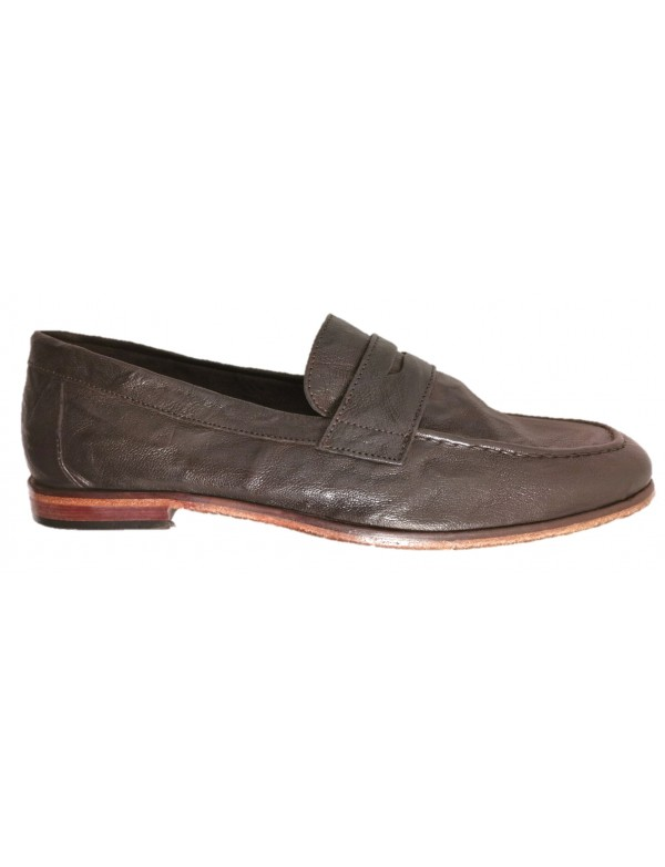 Leather loafers for men, brown