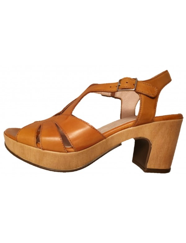 Ladies sandals Wonders brand