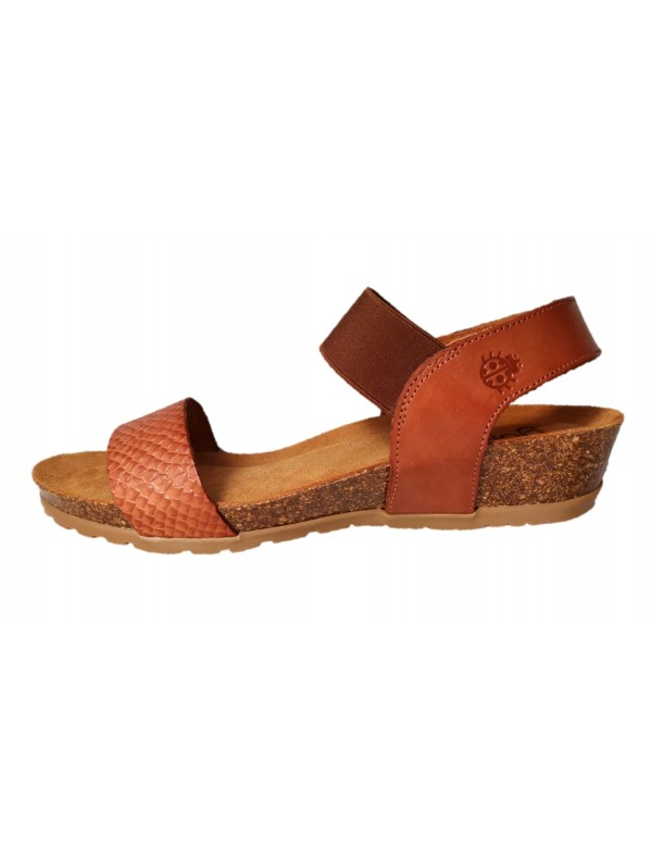 Wedge sandals in leather, by Yokono