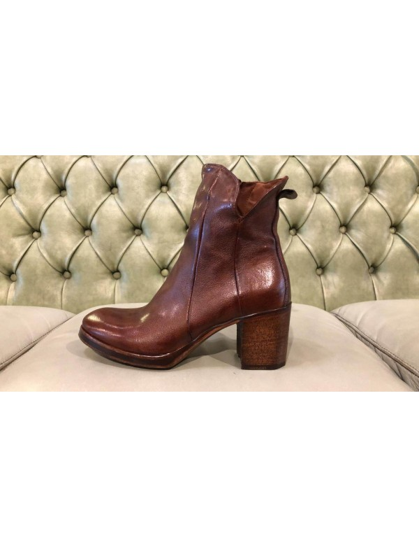 Ankle boots with heels, made in Italy