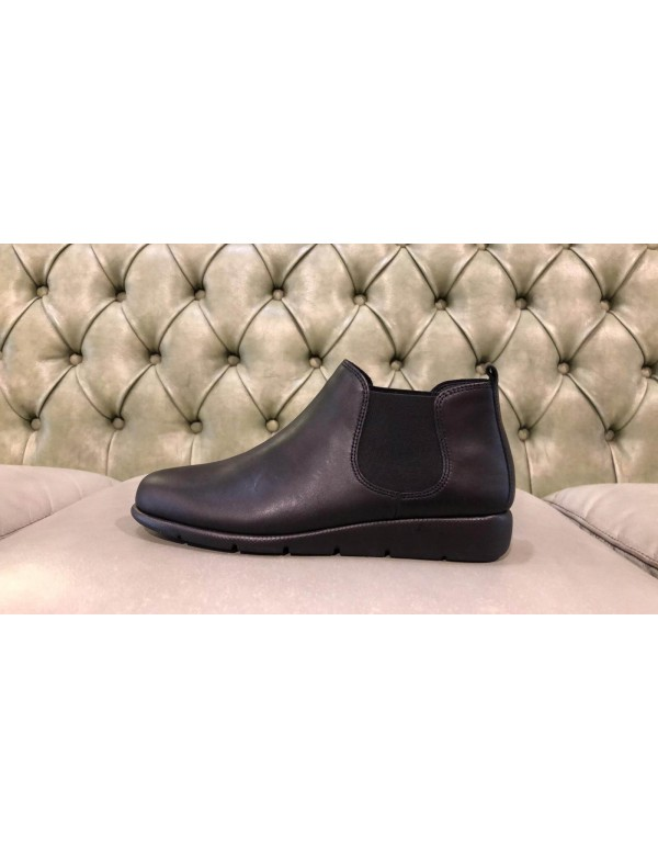 Soft ankle boots for ladies