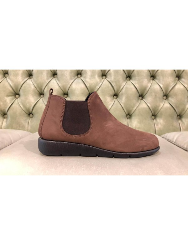 Leather ankle boots for ladies, made in Italy by Frau