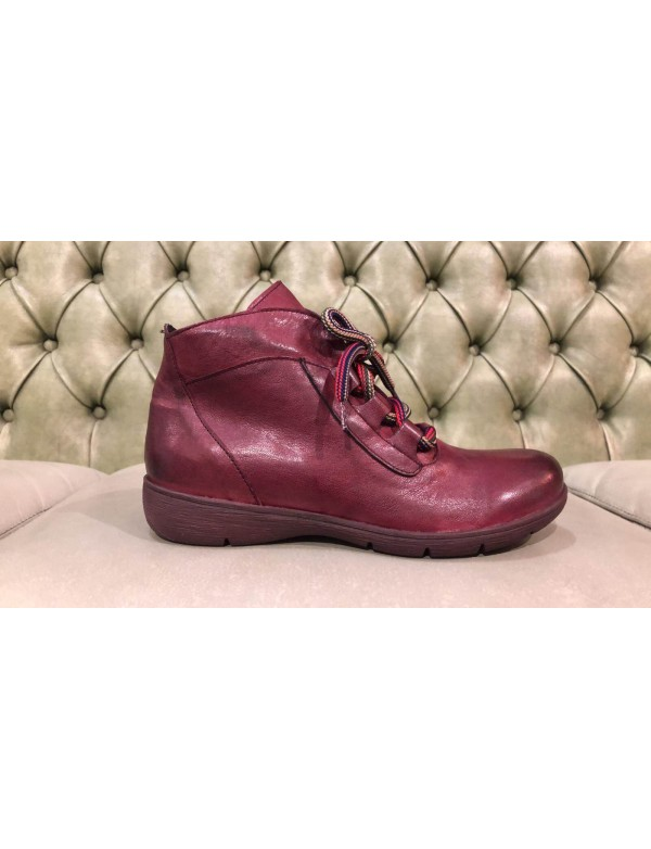 Casual fashion shoes for women, made in Italy