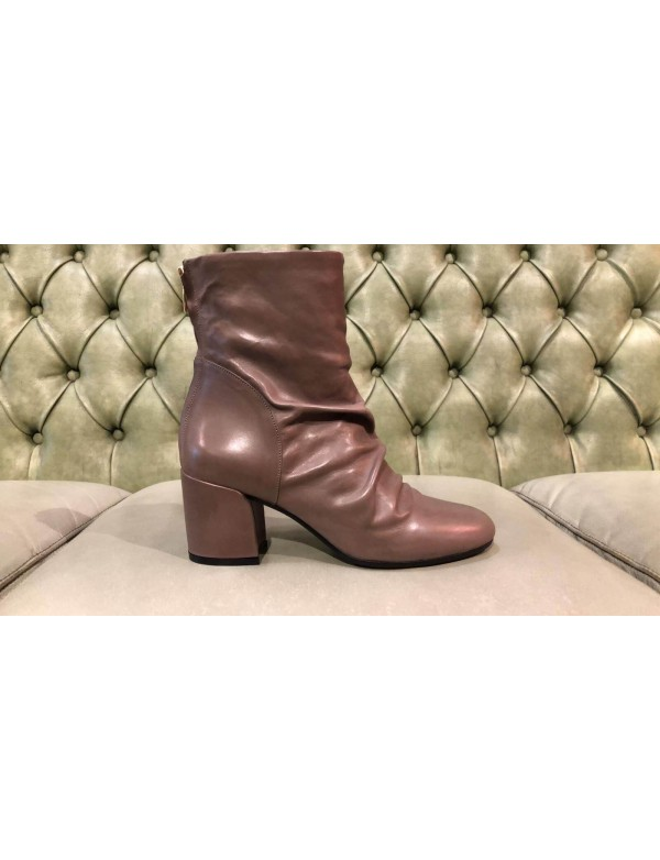 Brown boots mid calf, made in Italy