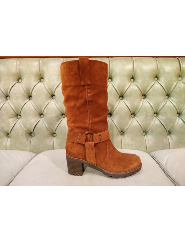 Brown suede high boots, mid heel
