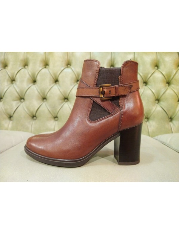 brown leather ankle boots, mid heel