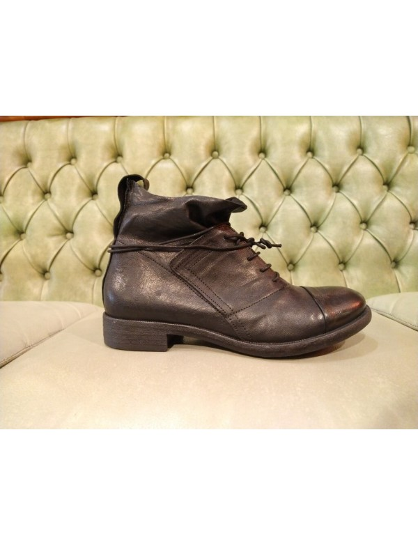 Fashion ankle shoes made in Italy