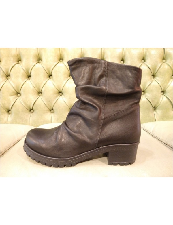 Pull on slouch boots for women