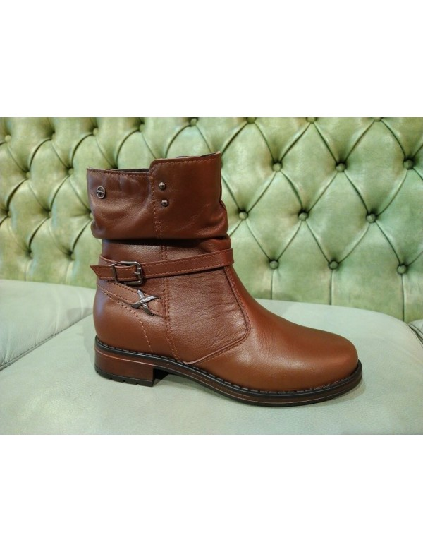 Brown ankle boots with low heel