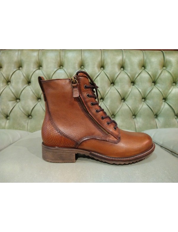 Brown boots in genuine leather