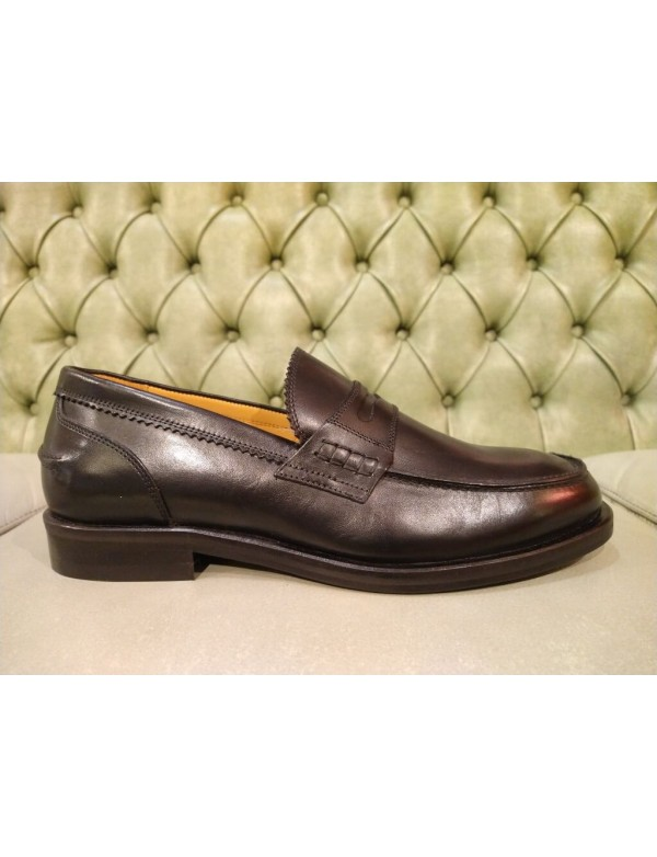 Loafer shoes for men, made in Italy