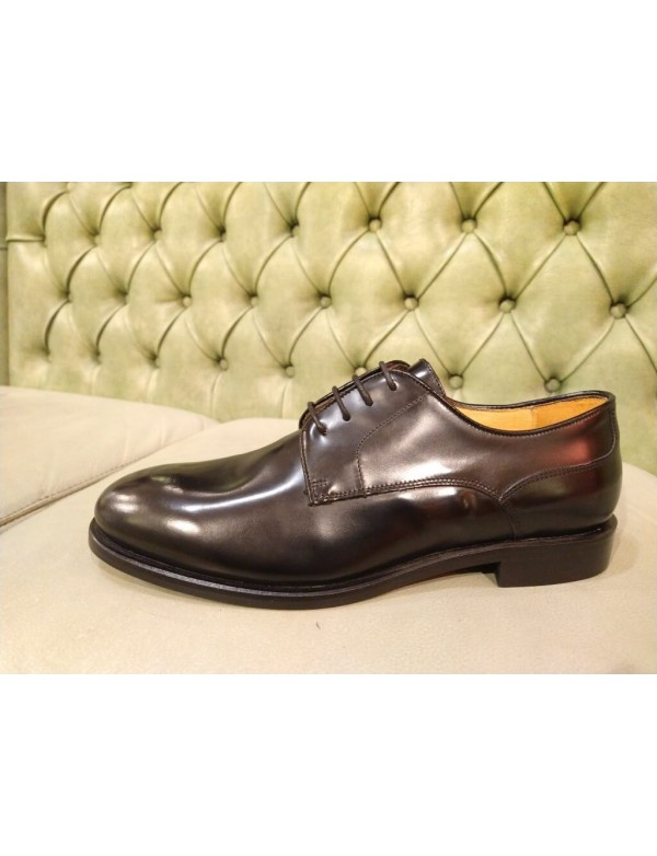 Plain toe dress shoes, by Mercanti Fiorentini