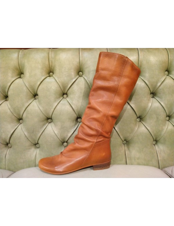 Leather boot for girls, slouch style