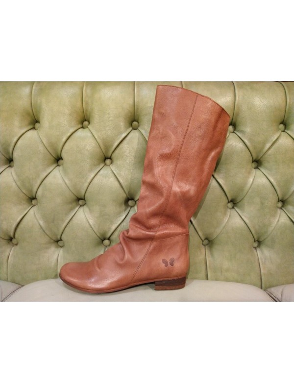 Leather boots with no laces
