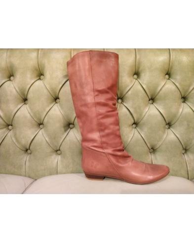 Leather boots tall below the knee. Felmini footwear