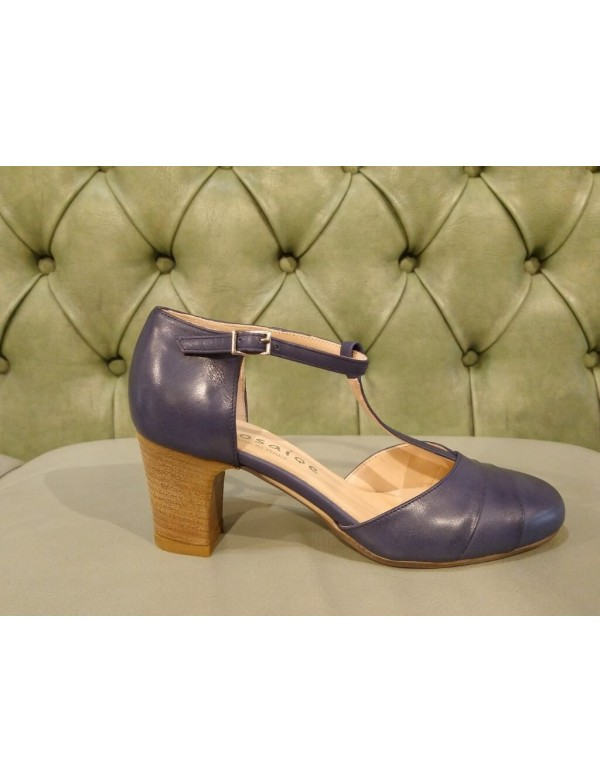 Shoes with heel and strap