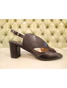 Sandali neri con tacco alto