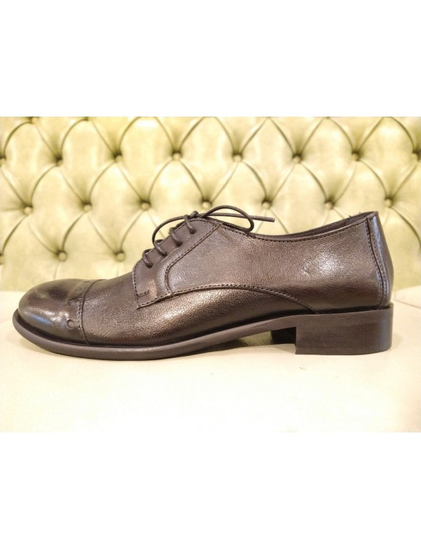 Black leather lace up shoes, made in Italy