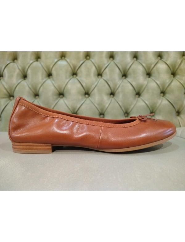 lats shoes for women, brown leather, Tamaris shoe brand