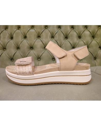 Italian platform sandals, by Igi&Co