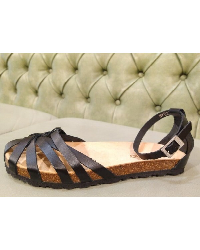 Black leather flat sandals, Yokono
