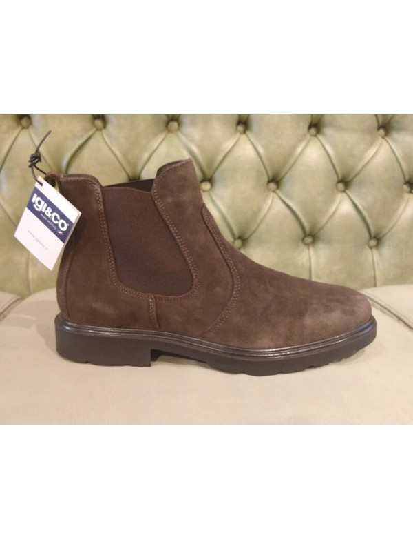 Suede Chelsea ankle boots for men, made in Italy