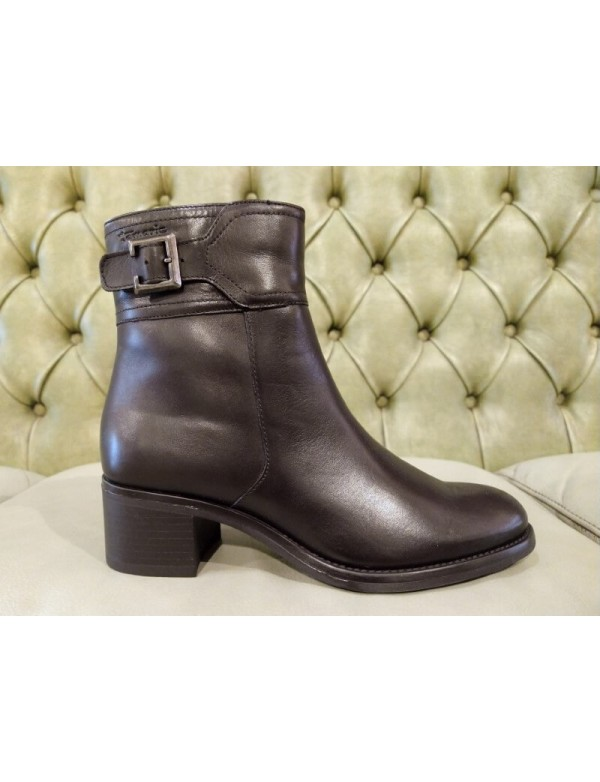 Zipped ankle boots, Tamaris