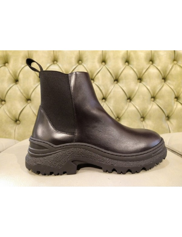 Platform ankle boots, goth style