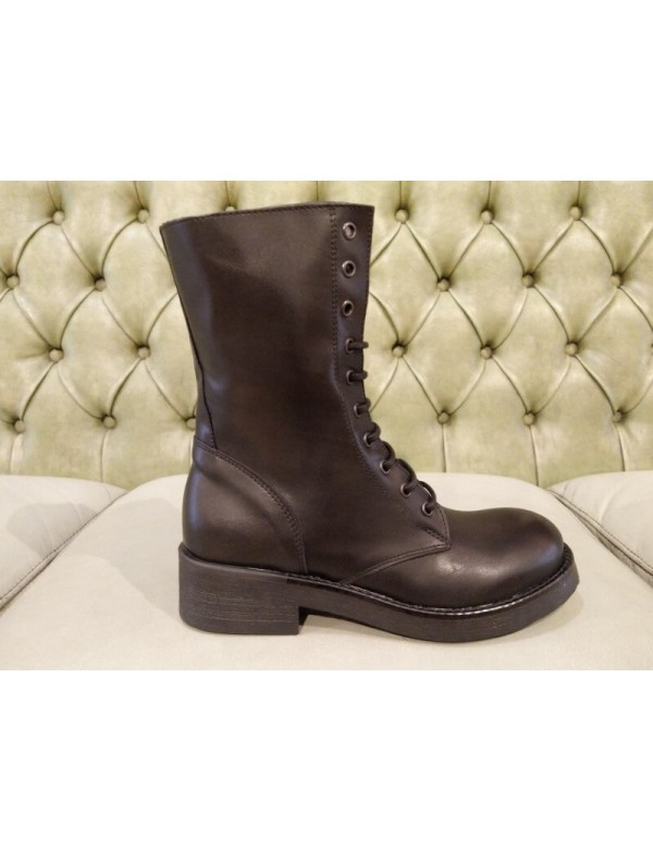 Mid heel combat boots, made in Italy