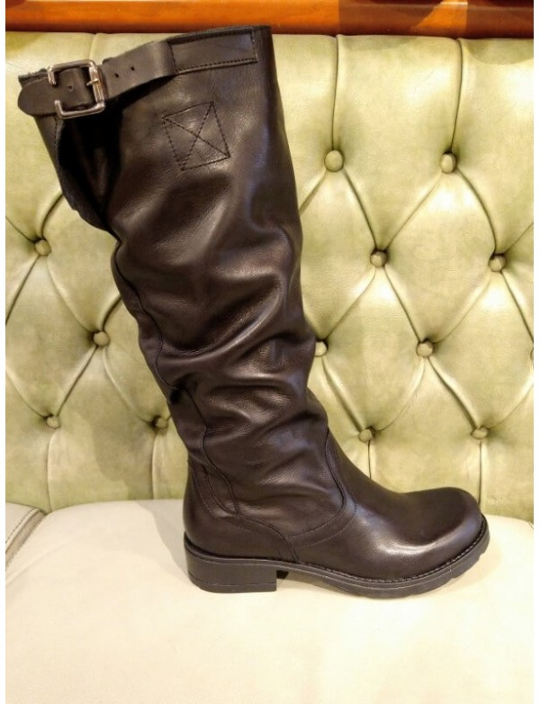 Leather slouch boots, made in Italy by Bouu