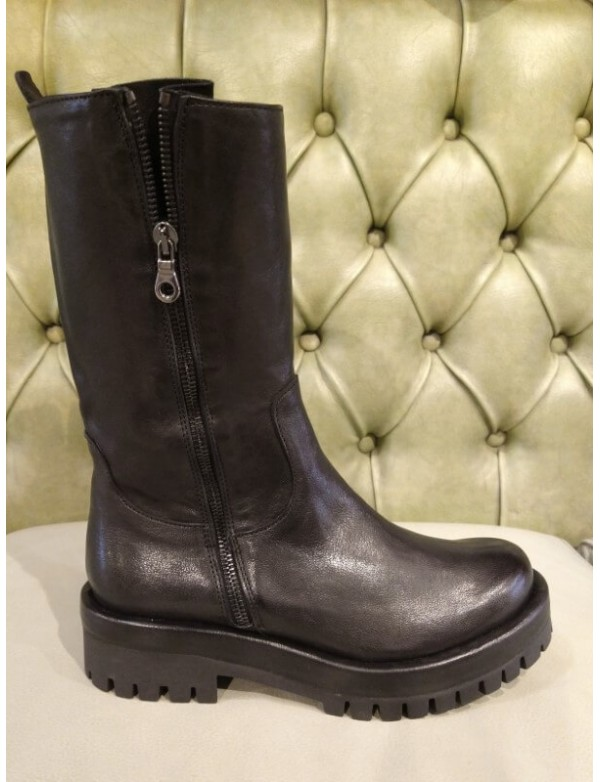 Womens black leather boots