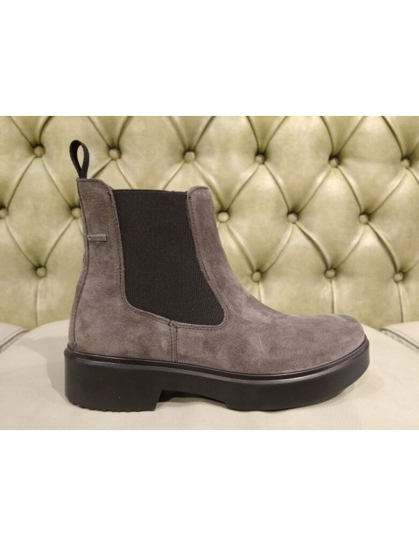 Casual chelsea boots, with Gore Tex