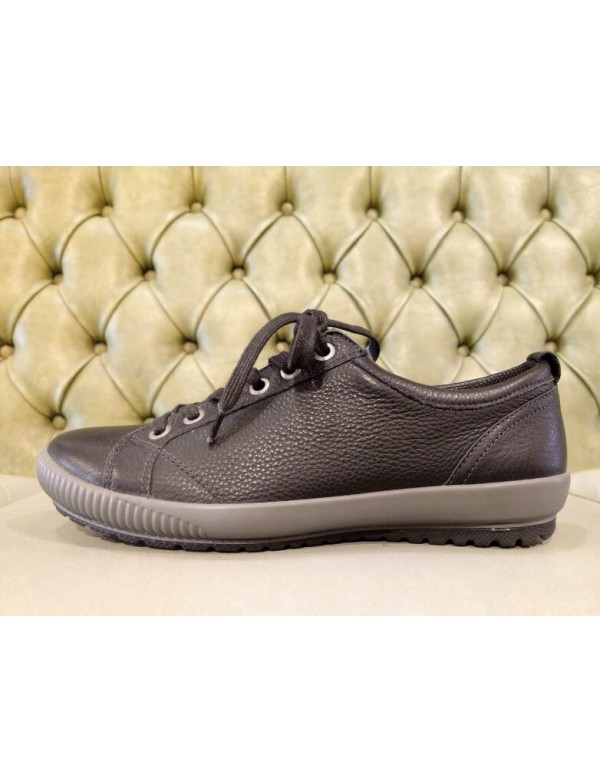 Black leather sneaker for ladies, by Legero