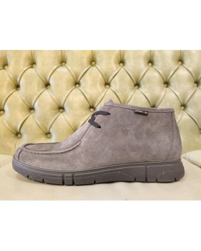 Moc toe chukka boots for men