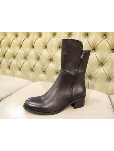 Italian heel boots for girls