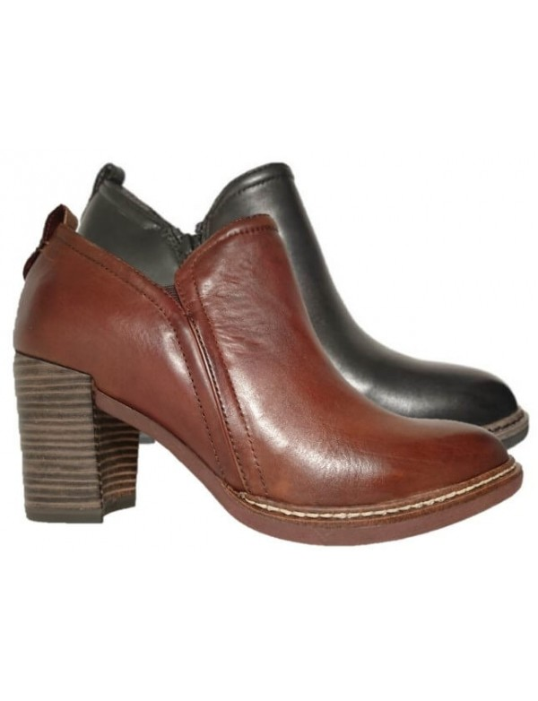 Comfortable casual ankle boots, Tamaris