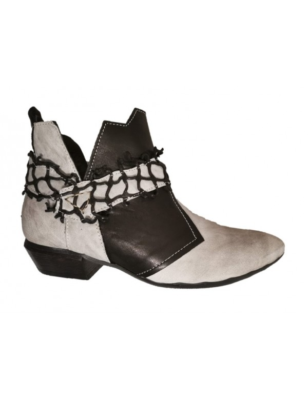 Genuine leather womens booties, made in Italy