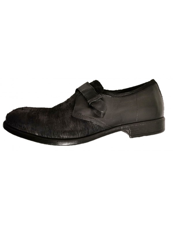 Black shoes with buckle