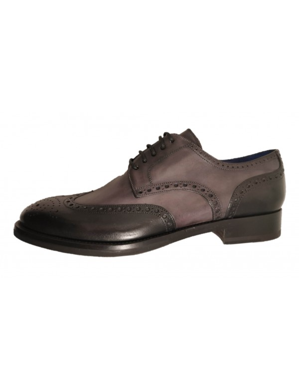 Two tone wingtips