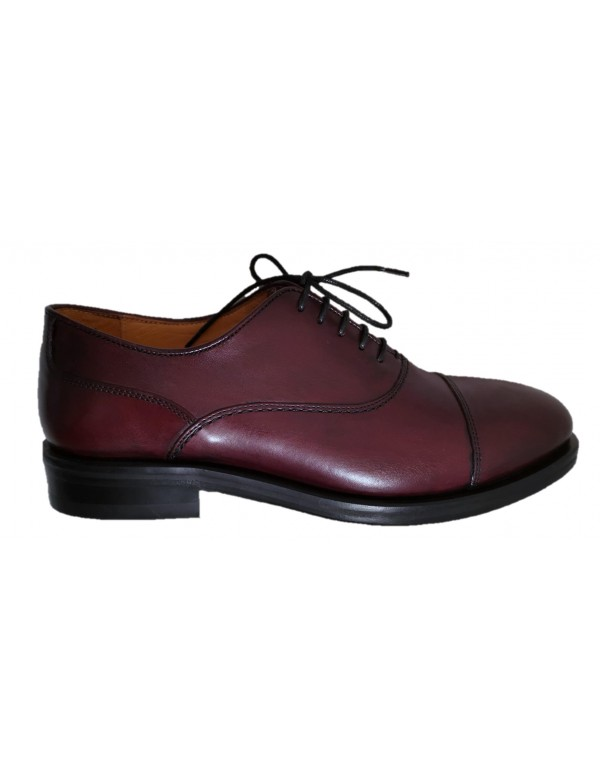 Oxford cap toe shoes for men, made in Italy