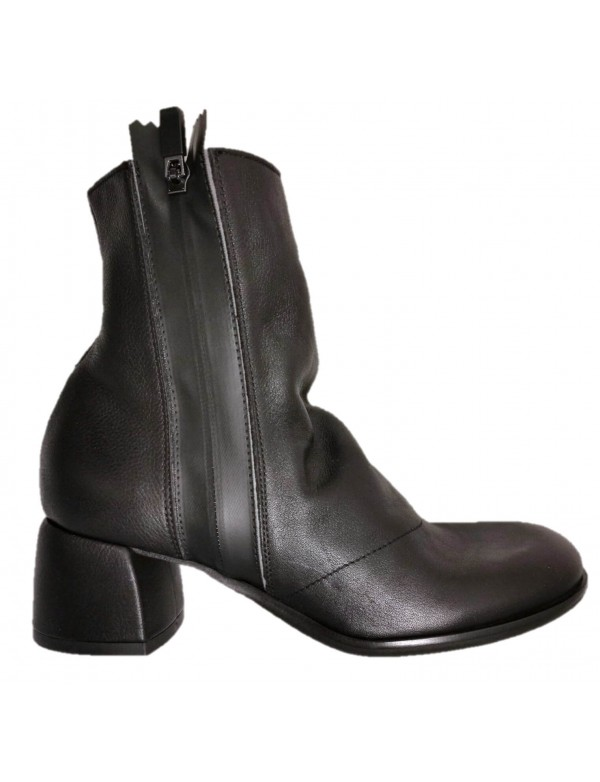 Fashion LiliMill boots made in Italy