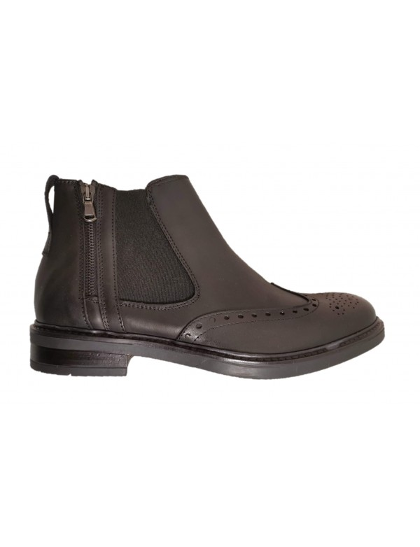 Black chelsea boots, made in Italy