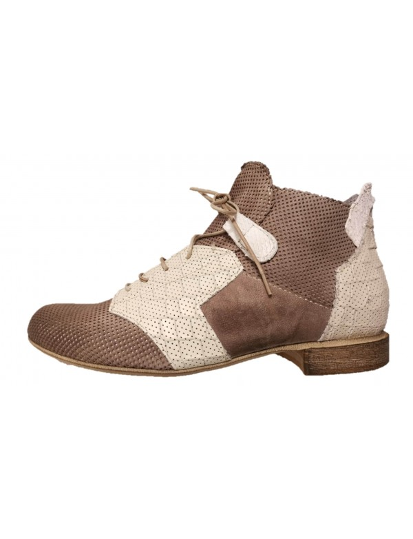 Ladies ankle boots with low heel, made in Italy